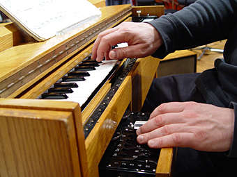 main Thomas Bloch ondes Martenot