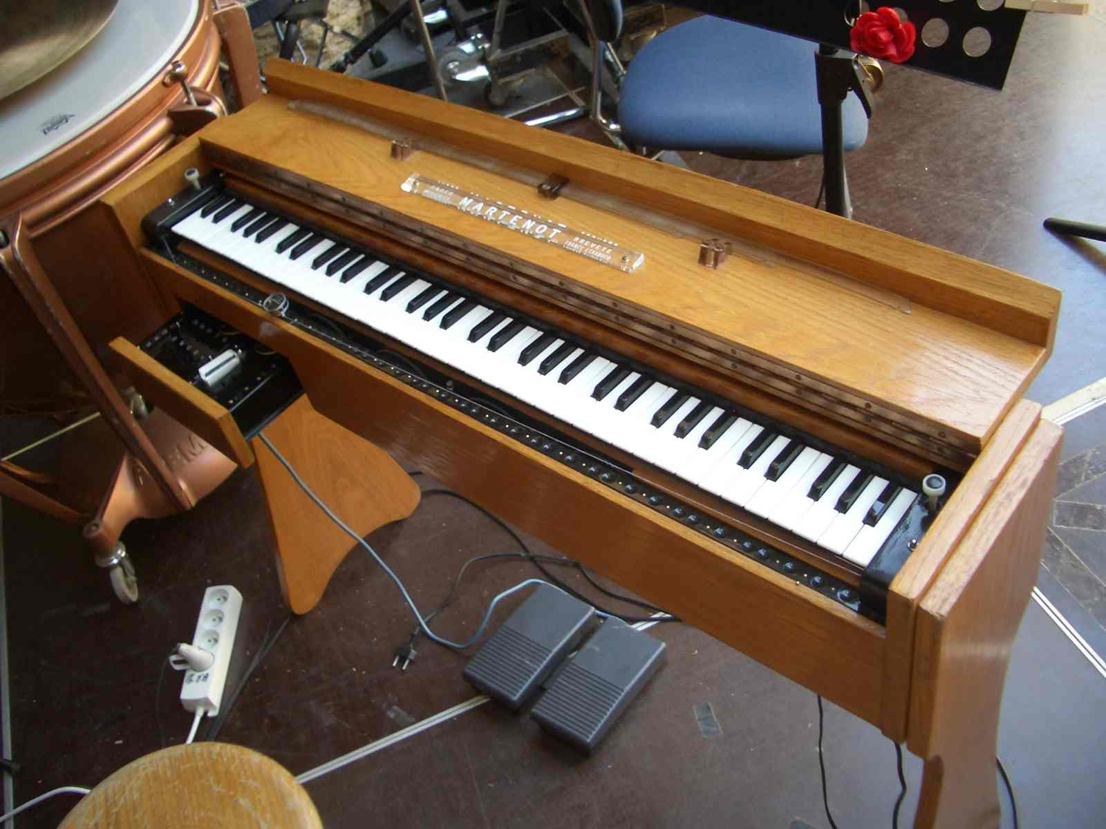ondes Martenot - keyboard - ribbon - drawer